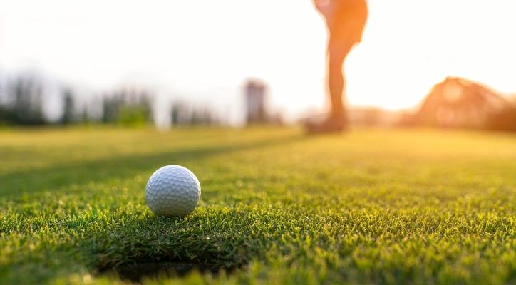 image of someone golfing