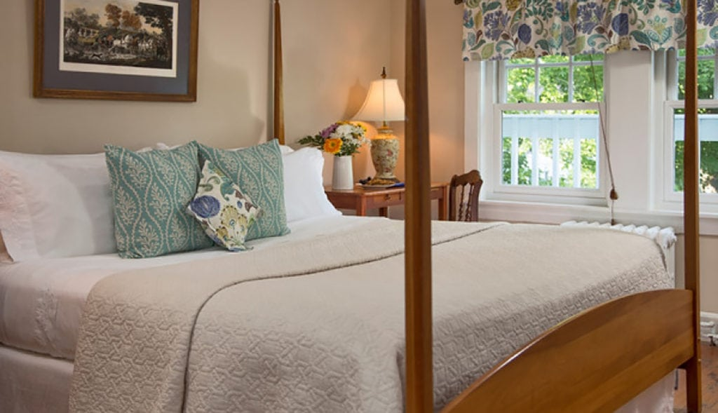 image of guestroom at Newcastle Inn